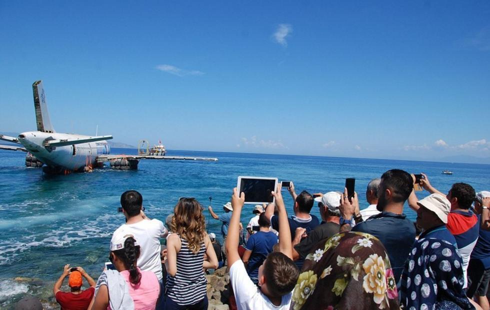 土耳其已经把三架小飞机沉入了海底