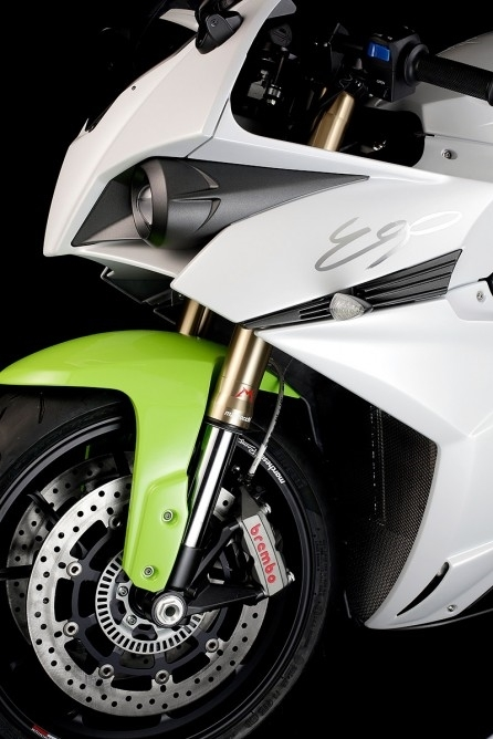 时速突破240公里!超酷电动摩托车ego