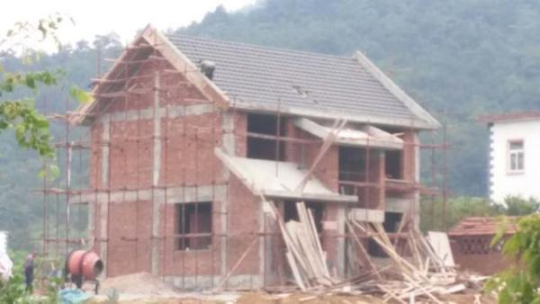 农村别墅红瓦 外墙